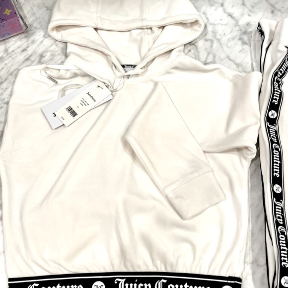 Juicy Couture - NWT tracksuit is super on trend!